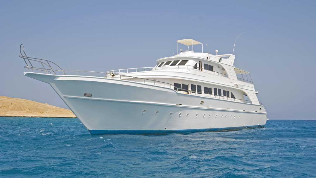 Do I need to antifoul my boat blog image